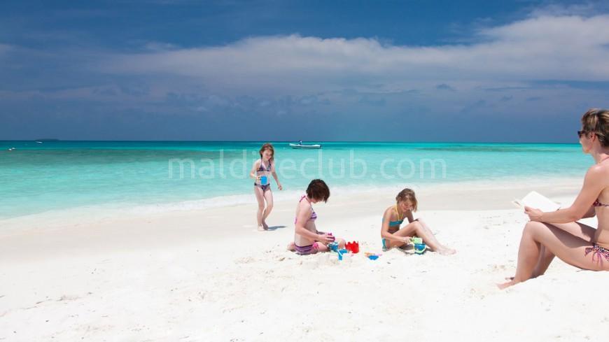 Maldivler'de Çocuklu Aile Tatili