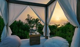 Kumsal Suite Havuzlu Günbatımı