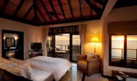 Günbatımı Horizon Su üzeri Villa